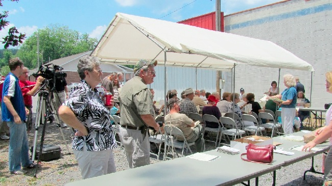 The opening of the longest signed section of the Trail of Tears inthe country, from Fort Payne to Guntersville, was held on June 23, 2012. The opening ceremony began at the Cabin Site in Fort Payne, followed by driving the newly signed section of the Trail and ended with a ceremony at Guntersville Lake.