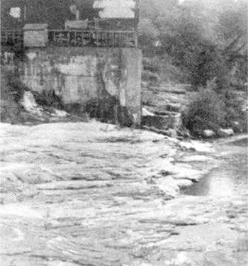 The remains of Elrod's Mill on Town Creek in 1955.